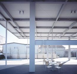 日本の技術力を象徴する鉄骨ファブ【ビルト鉄骨フレーム鋼板屋根】