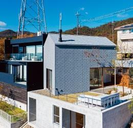 建物の一体感を演出する屋根材【アスファルトシングル】